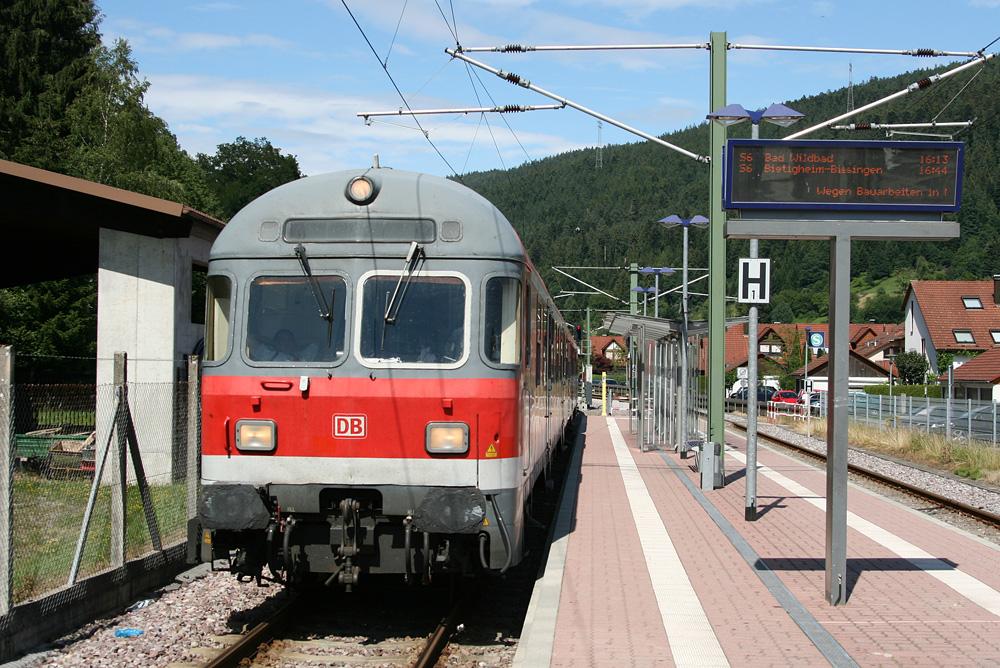 http://the-benne.de/Enztal02030711/calmbach.jpg